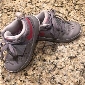Nike Team Hustle shoes
